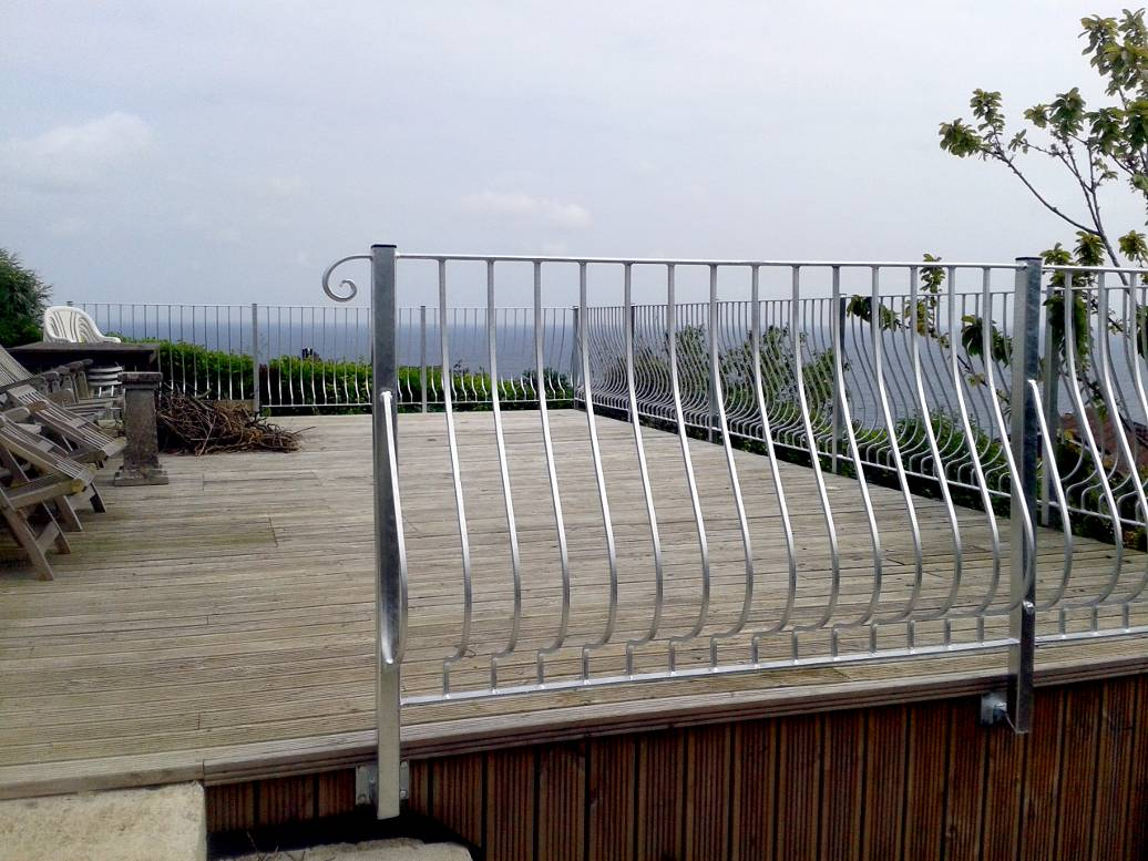 Balustrades for cornwall stainless steel and glass for Balcony balustrade