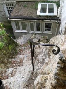 scroll type handrail